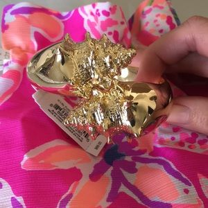 Lilly Pulitzer Nautilus seashell bangle, NWT